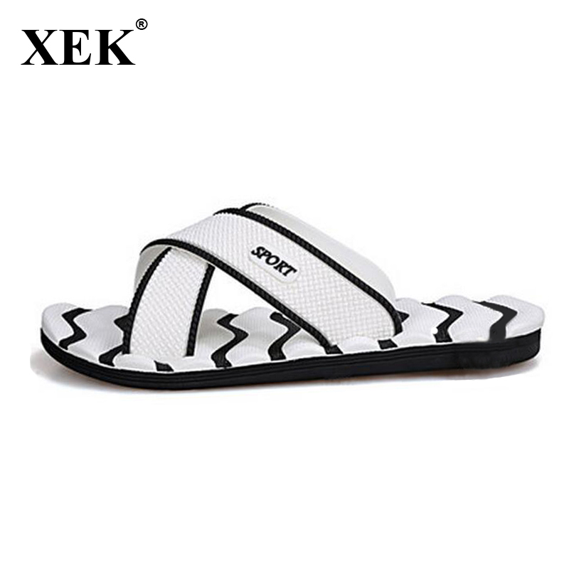 2018 Men Slippers New Lightweight Casual Plaid Stripes Sandals Summer Fashion Men Classic Flip flops Hot Soft Beach Shoes  XC19(China)