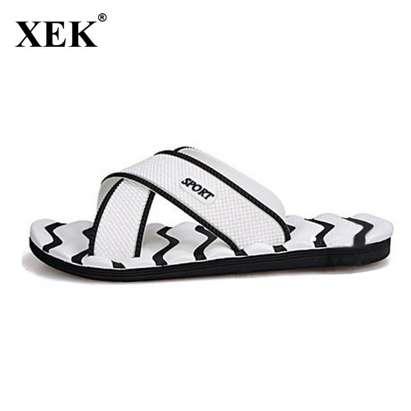 2018 Men Slippers New Lightweight Casual Plaid Stripes Sandals Summer Fashion Men Classic Flip Flops Hot Soft Beach Shoes  XC19