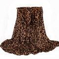 Otoño y el invierno cálido espesar mujeres bufanda del leopardo de la caída de moda famosa marca mantón tamaño 180 * 110 cm No. 12021