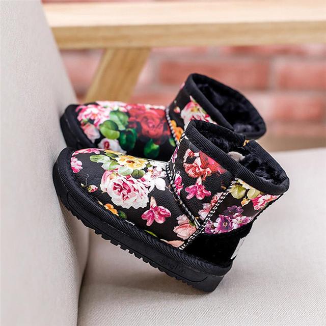 2016 Nuevos niños Acolchado de Felpa de Invierno Botas de Nieve Para Niños Niñas PU de Cuero Genuino Mediados Top Floral Caliente del Cabrito Del Bebé Del Algodón Zapatos