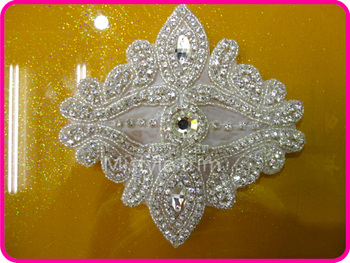 Free shipping new flower crystal appliques iron on appliques embellishment motif design for wedding dresses