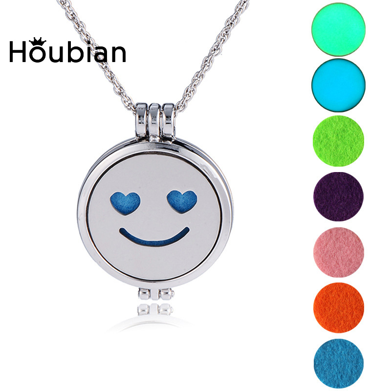 Aromatherapy luminous expression phase box necklace can open the luminous aromatherapy accessories
