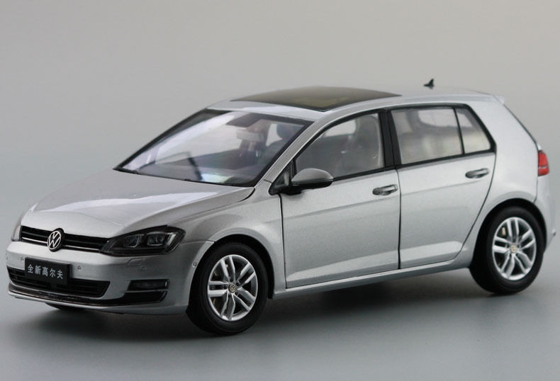 цена на 1:18 Diecast Model for Volkswagen VW Golf 7 Silver Alloy Toy Car Miniature Collection Gifts MK7
