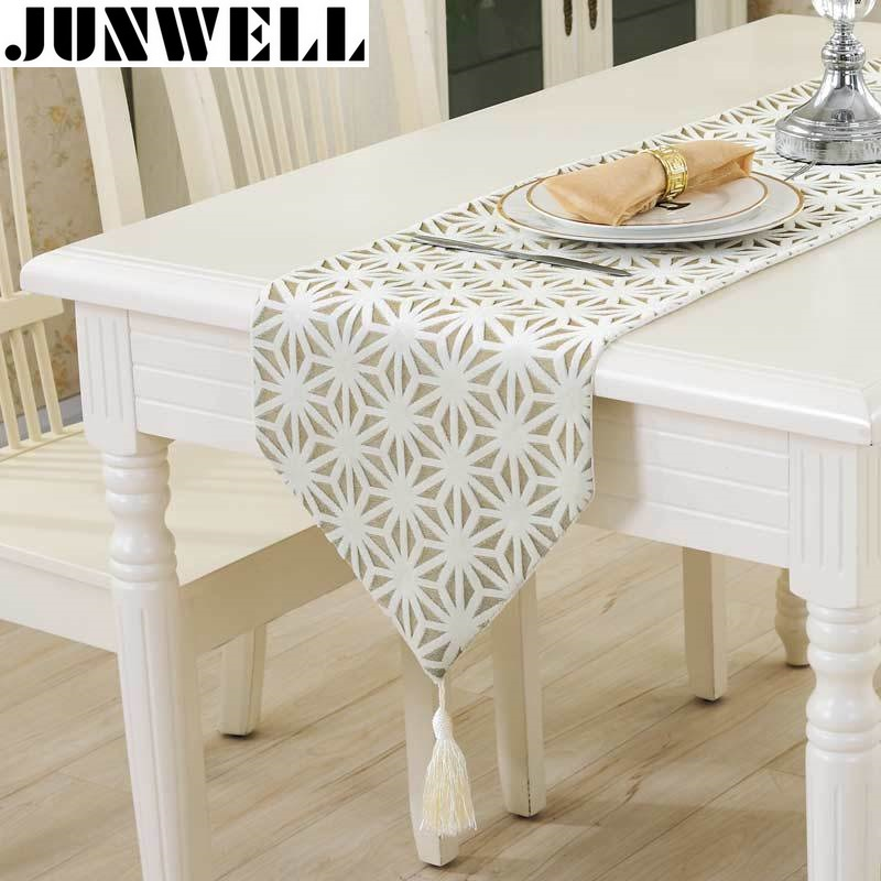 Junwell Mode Modern Table Runner Vintage Nylon Jacquard Runner Taplak meja Dengan Jumbai Cutwork Bordir Table Runner