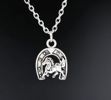 U Horseshoe Charms Necklace Horse Pendants Necklaces Antique Silver Plated Jewelry For Women Gift New