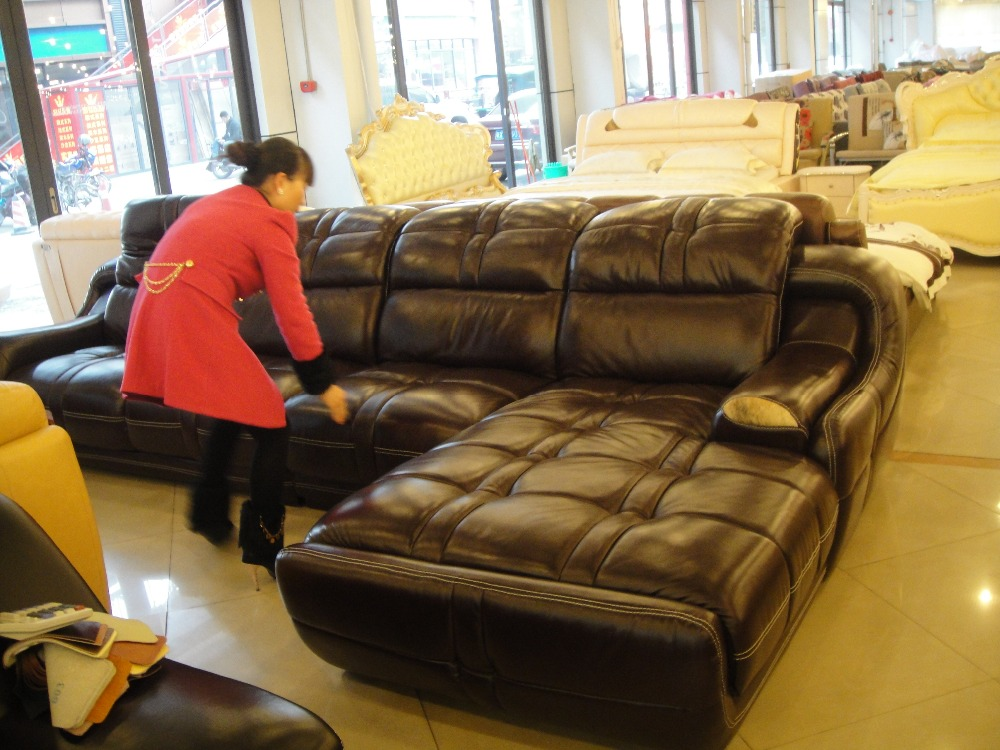 Top Graded Real Genuine Cow Leather Sofa / Living Room Sofa Modern Design  Sectional Hot Sale