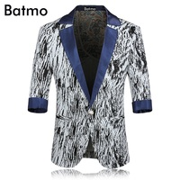 2017 New arrival printed three quarter sleeves Single button Men Blazer Casual jacket Men Slim Blazer jackets Size M 2XL