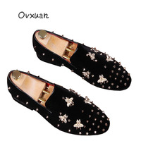 Ovxuan Handmade Spiked Loafers Shoes Rivets Bling Golden Bee Buckle Velvet Shoes Banque Prom Wedding Male Slip On Men Shoes