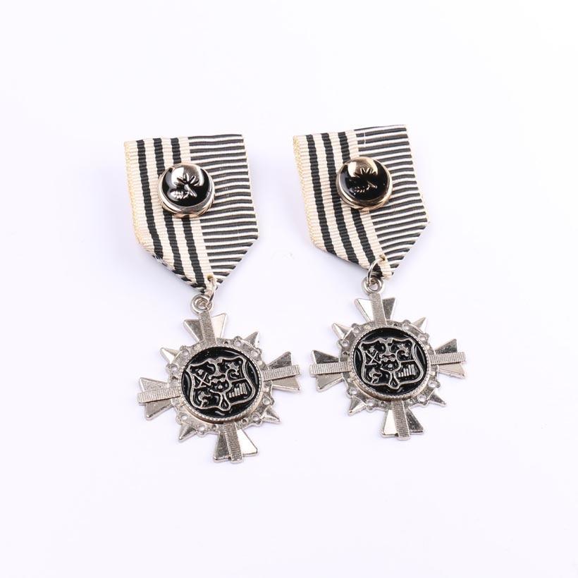 2017 Fashion Jewelry Insignias Chapa Lapel Pin Men Brooch
