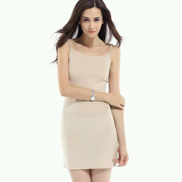 100% pura SEDA REAL de punto suave de strape mujeres sólido desnudo blanco estilo básico vestido del resbalón Anti vaciado COMPLETO slips nuevo ropa interior
