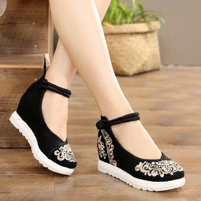 O Aumento Da Altura das mulheres Da Lona com Tira No Tornozelo Primavera Outono Sapatos Estilo China Bordadeiras Do Vintage Cunhas Sapatos de Salto Alto Senhora 20180907