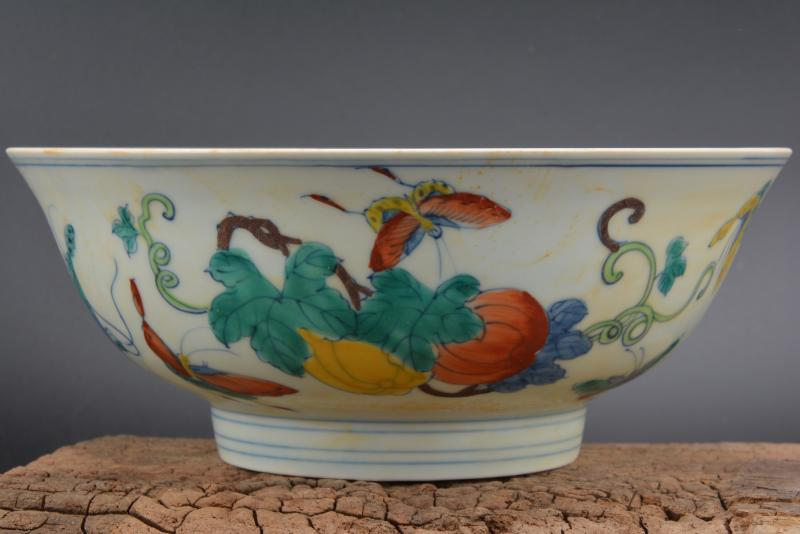 Collection old Chinese MingDyansty(ChengHua)) pastel porcelain bowl,thin,Butterfly love flower, Free ShippingCollection old Chinese MingDyansty(ChengHua)) pastel porcelain bowl,thin,Butterfly love flower, Free Shipping