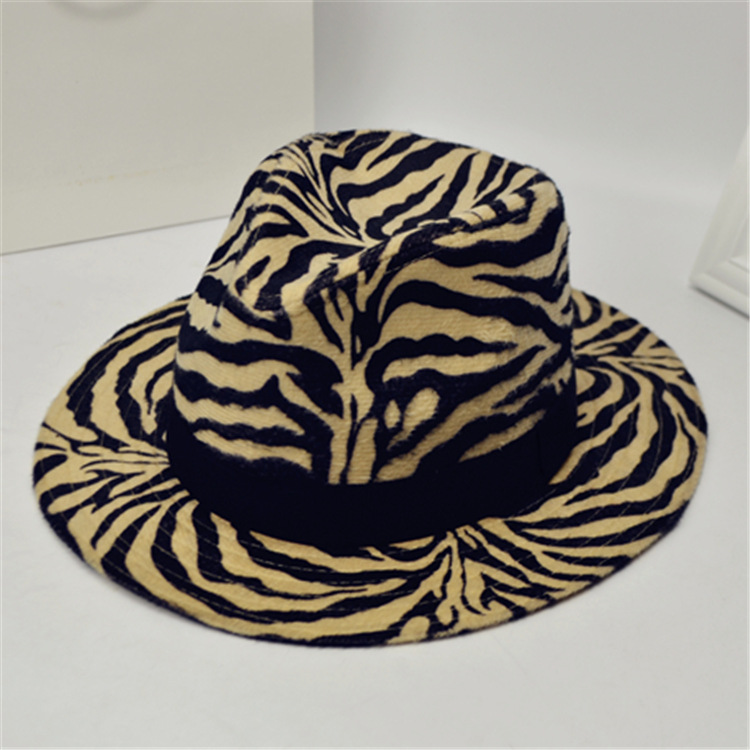 2bfd28d9c3fd1 Fashion Leopard Zebra Printing Men Women Unisex Vintage Trilby Cap Fedora  Hats Flat Top Leisure Big Brim Felt Panama Hat-in Men s Fedoras from  Apparel ...