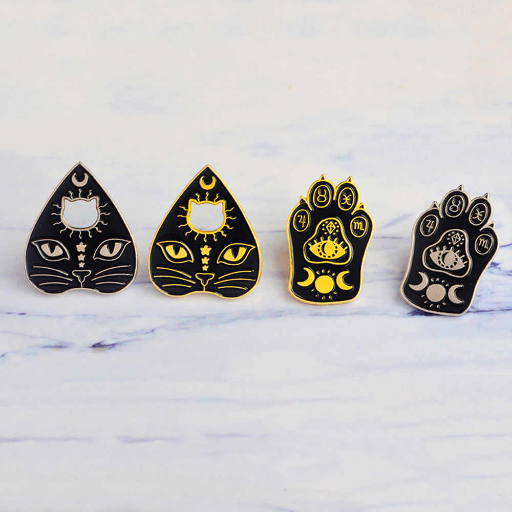 1pcs Gothic Witchcat Paw Brooch Enamel Witch Magic Cat Mystical Footprints Culture Curved Moon Star Pins Badges For Kid Jewelry