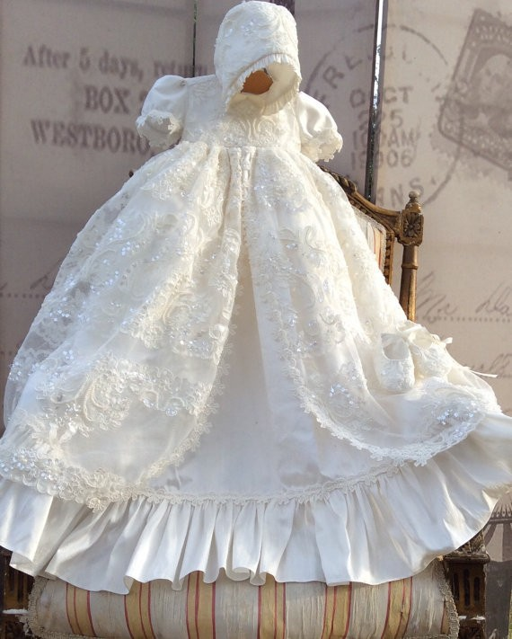 Lolita White Ivory Christening Gown Lace Sequins Baby Girls Baptism Dresses With bonnet Any Size