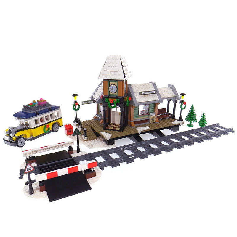 36011 LEPIN 1010Pcs The Winter Village Train Station Model Building Blocks Enlighten Figure Toys For Children Compatible Legoe 16018 lepin lord of the rings the ghost pirate ship model building blocks enlighten figure toys for children compatible legoe