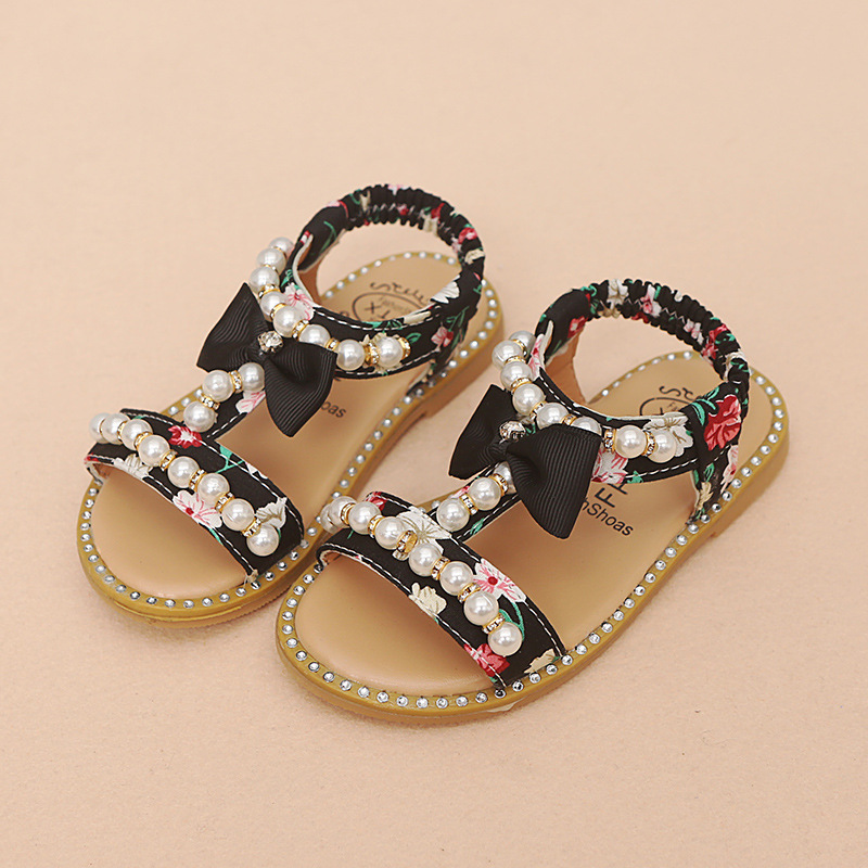 e90434877e764e New 2018 European lighted kids shoes cool hot sales children sandals casual  summer beach hot sales cute baby girls shoes-in Sneakers from Mother   Kids  on ...