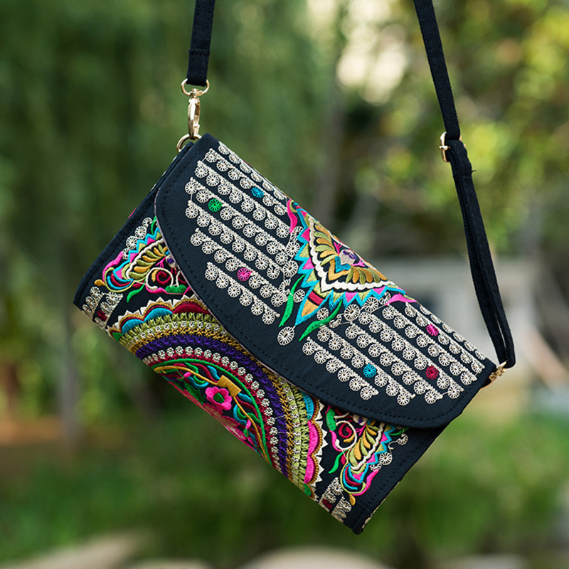 China Trend Bag Embroidered Embroidery Shoulder bag Ethnic Style Flowers Embroidery Mobile Mag Messenger Bag WML99