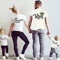 O mais novo Da Família Combinando Roupas de Verão Mãe Filha Roupas Família Combinando Camisas de Algodão Carta Pai E Filho Roupas
