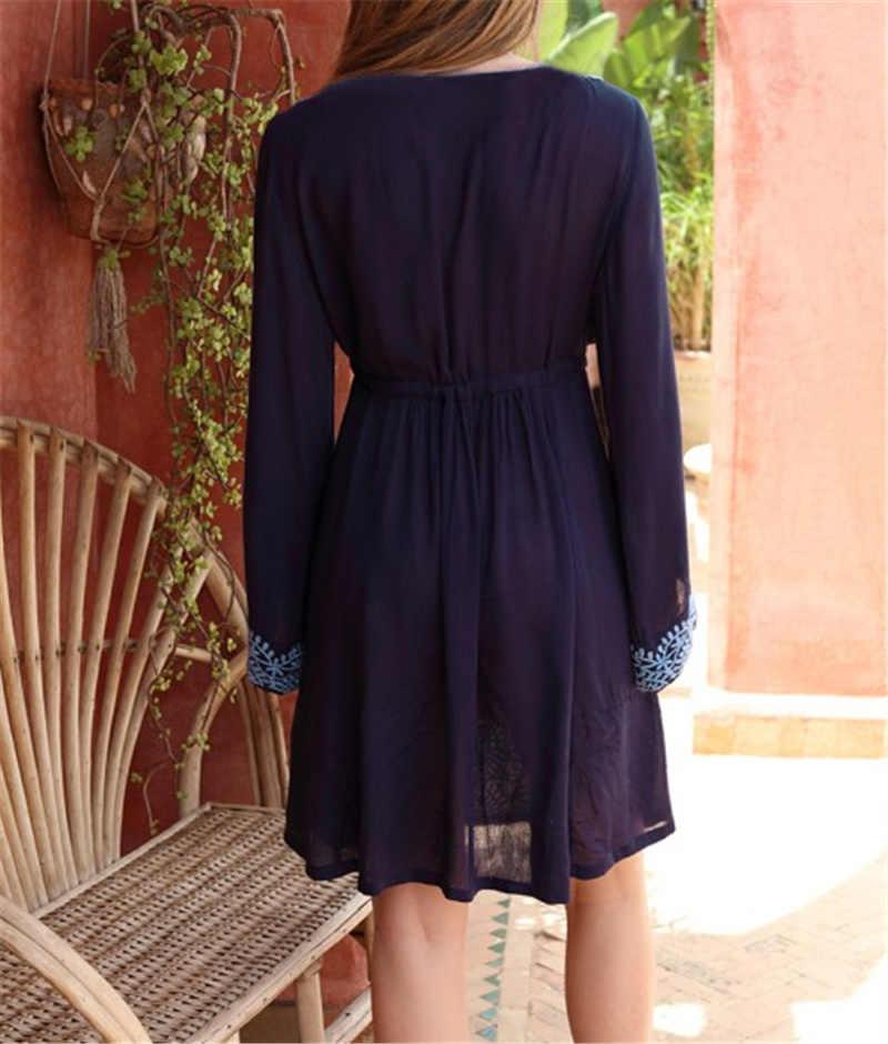 2019 богемное голубое вышитое хлопковое пляжное платье-туника с сексуальным v-образным вырезом с длинными рукавами и кисточками Женская пляжная одежда свободное летнее платье N684