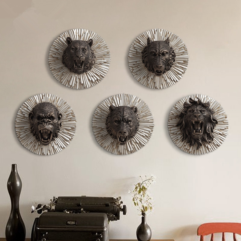 Angry Animal Head Creative Resin Animal Head Wall Decoration Bear/ King Kong /Lion /Tiger/ Wolf Wall Hanging Ornaments Best Gift-in Figurines & Miniatures from Home & Garden    1