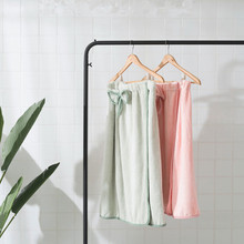 Bath towel Pajamas Hot spring bath Beauty SPPA cap skirt suit Strong water absorption microfiber Beach