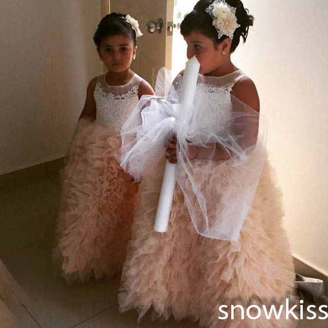 Custom made beautiful sheer scoop neck sleeveless lace appliques ball gowns graceful long pleated wedding pageant party dresses custom nice sheer short lace sleeve boat neckline ball gowns long pleated appliques wedding birthday party flower girl dresses