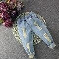 2017 весна детская одежда девушки ripped отверстия джинсовые брюки Дети мальчики новый casual проблемные Джинсы брюки 2-6 лет!