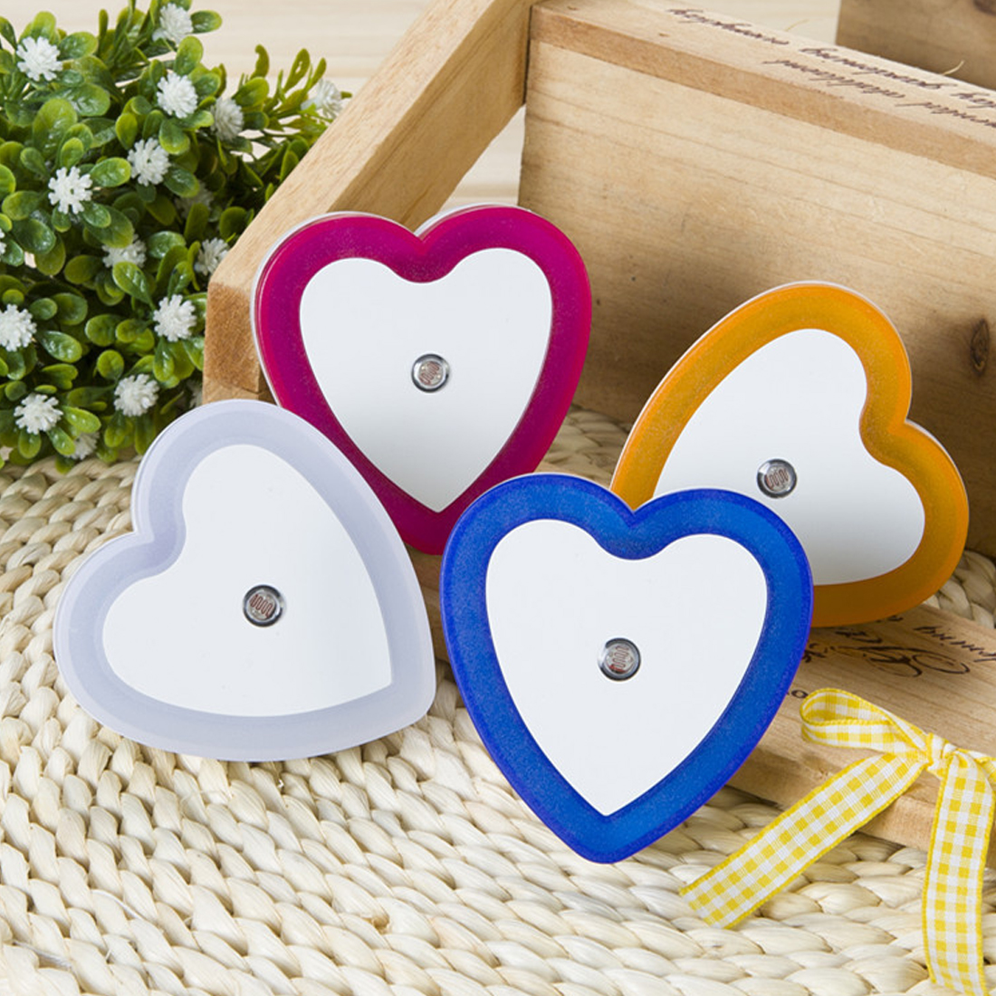 Auto LED Light Induction Sensor Control Bedroom Romantic Night Lights Bed Lamp Heart Shape 110-220V EU Plug 4 Colors