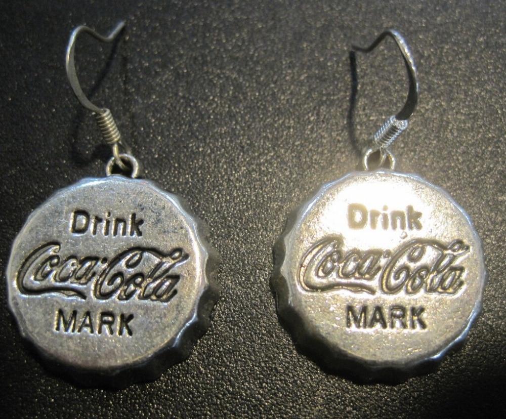 44d3d285fd09 10 par lote antiguo plata Coke cápsula encanto moda vintage Pendientes para  las mujeres Niñas regalo del Día de San Valentín joyería z990