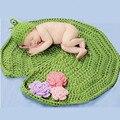 Bebê Crochet Aminal Beanie Chapéus Bebê Menina Sapo Com Lótus esquerda Tiro Fotografia Props Costume Set Handmade Newborn definir 2017