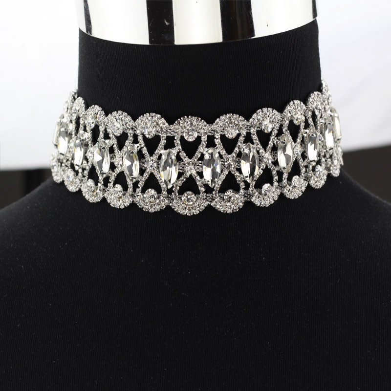 Fashion Rhinestone choker necklace Women Luxury Chocker Chunky Necklace  2017 Collier Statement jewellery-in Choker Necklaces from Jewelry    Accessories on ... bda9b2a7791e
