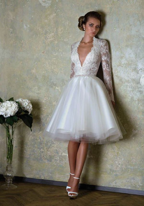 Us 10496 18 Off2019 New Summer Charming Short Wedding Dresses With Lace Long Sleeve Backless Knee Length Bride Gowns Delicate Vestido De Novia In