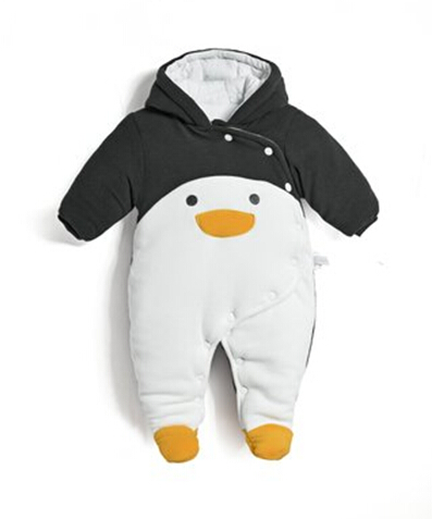 цена на New 2018 autumn winter wanrm rompers  newborns baby boy clothes baby cartoon penguin thick cotton jumpsuits infant overalls