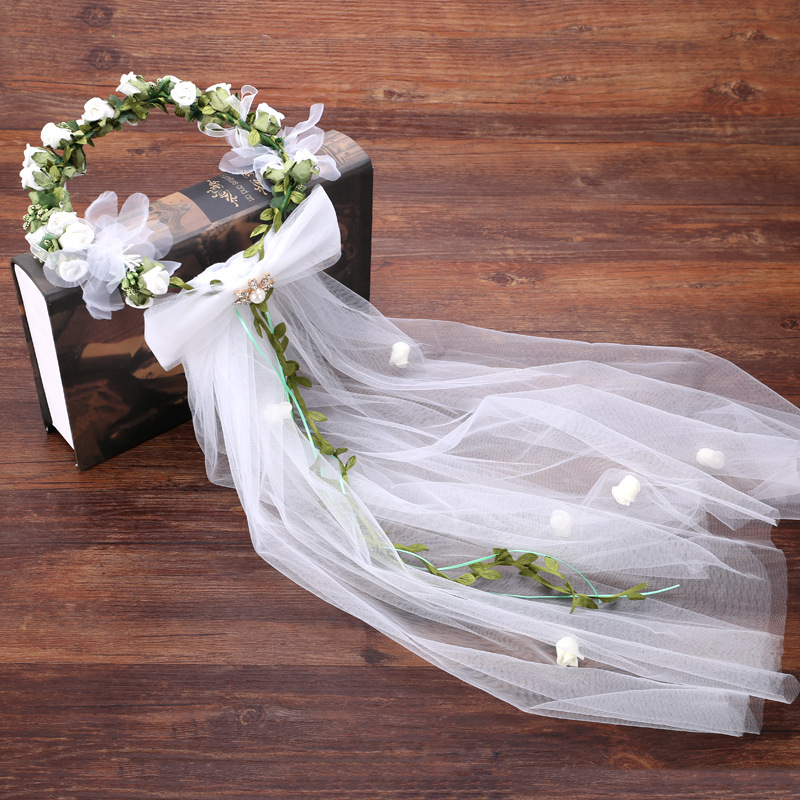 Bridal Veils Bohemia Cute Girl Headwear For Wedding White Rose Flowers Green Leaf Beaded Wedding Accessories Voile Tulle Pearls
