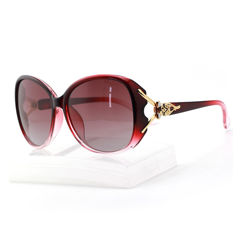 New Fashion Women Glasses Brand Designer Women Sunglasses Summer Shade UV400 Polarized light Sunglasses