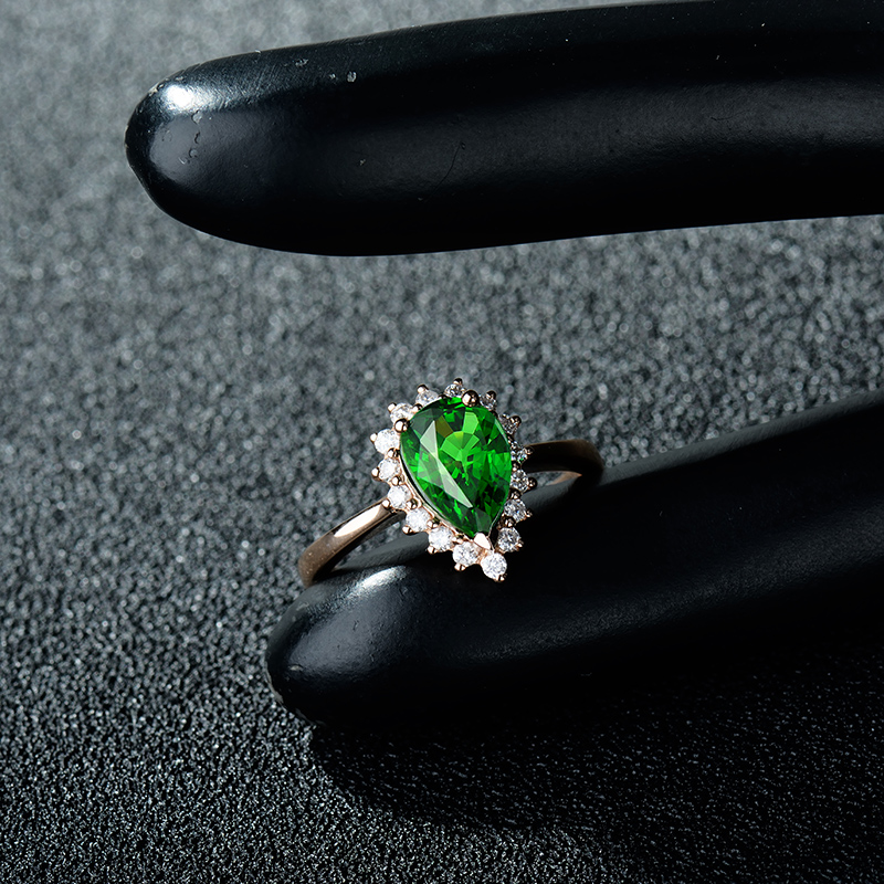 NEW Arrivals Engagement Pear 6x9mm 18Kt Rose Gold Natural Tsavorite Diamond Ring WU0080