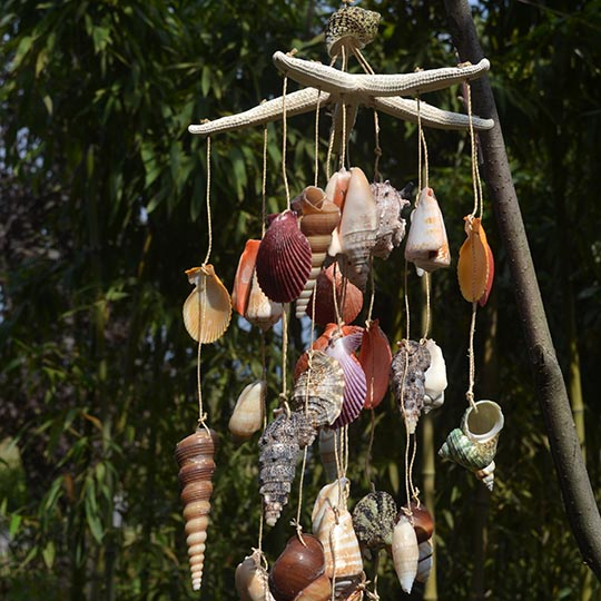 Home decor handmade conch sea shell wind chimes for Shell wind chimes diy