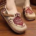 Ботинок квартир женщин Тайский Boho Хлопок Льняной Холст Ткань Национального Ручной Тканые Круглый Носок Плоские Туфли Вышитые Плюс размер 44