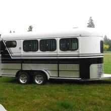 Лошадиный поплавок прицеп для лошадей для перевозки по индивидуальному заказу