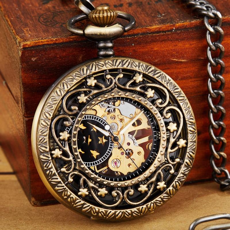 Примечательно, что даже после изобретения наручных часов популярность карманных пропала не сразу, поскольку многие люди считали и считают по сей день некомфортным повседневное ношение прибора для измерения времени на запястье, предпочитая им часовой карман.