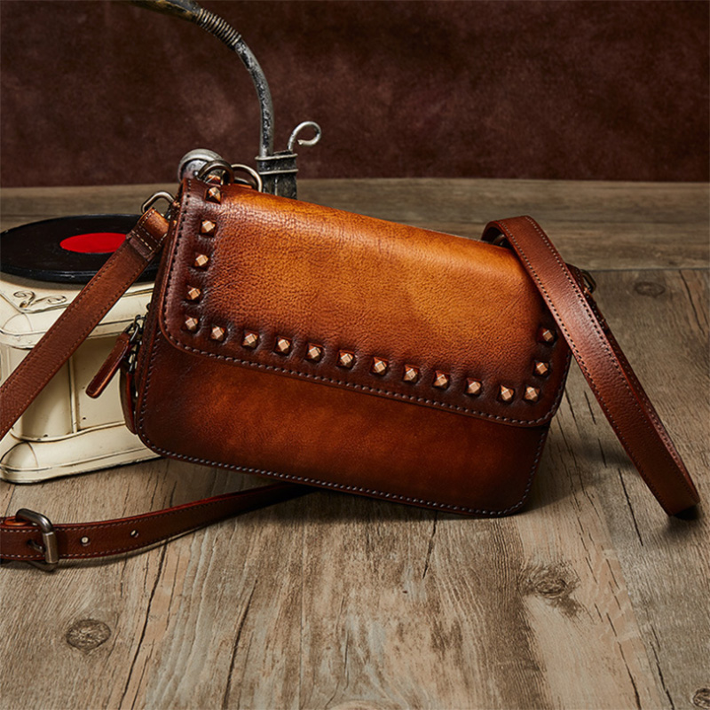Genuine Leather Luxury Shoulder Bags Top Design Women Messenger Bag High Quality Purse Bag Woman Bags For A Main Vintage Flap woman bag material is a high quality varnish faux leather