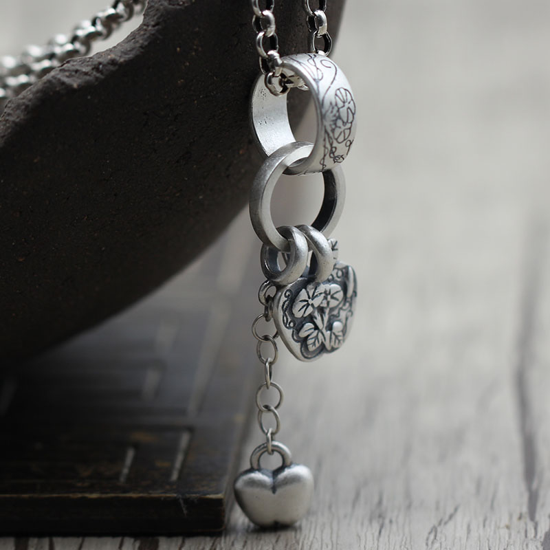 S990 silver jewelry personality folk style  pattern retro vintage silver tassel pendant pendant Ms.S990 silver jewelry personality folk style  pattern retro vintage silver tassel pendant pendant Ms.