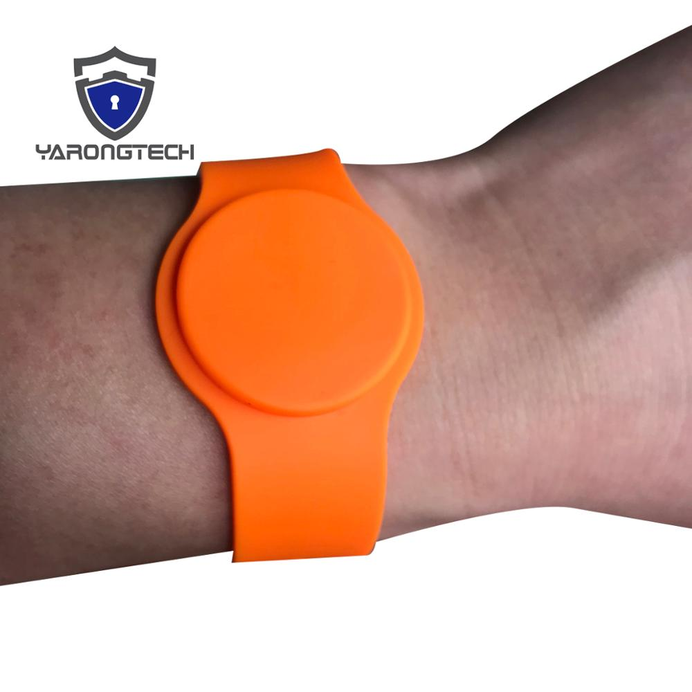 13.56MHZ 1K ISO 14443A Waterproof Adjustable Orange Color Silicone Rfid Wristband,ic Wristband,nfc Wristband