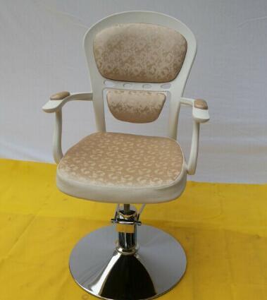 Hairdressing chair. European beauty-care chair.. Put down the haircut chair rotating hydraulic chair the bar chair hairdressing chair the back of a chair stool rotating lifting chair