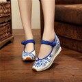 Boho Новый Китайский стиль Вышивки обувь Туризм вышитые Цветочные девушка одного мягкая прогулки спорт танцевальная обувь размер 34-40