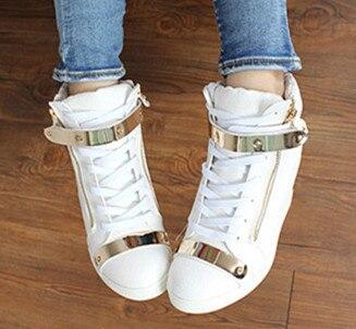 Ayakk.'ten Vulkanize Kadın Ayakkabıları'de 2018 Bahar Sonbahar Tarzı takozlar sneakers kadınlar yüksek top PU deri Yüksek topuk rahat ayakkabılar kadın ayakkabı siyah beyaz'da  Grup 3