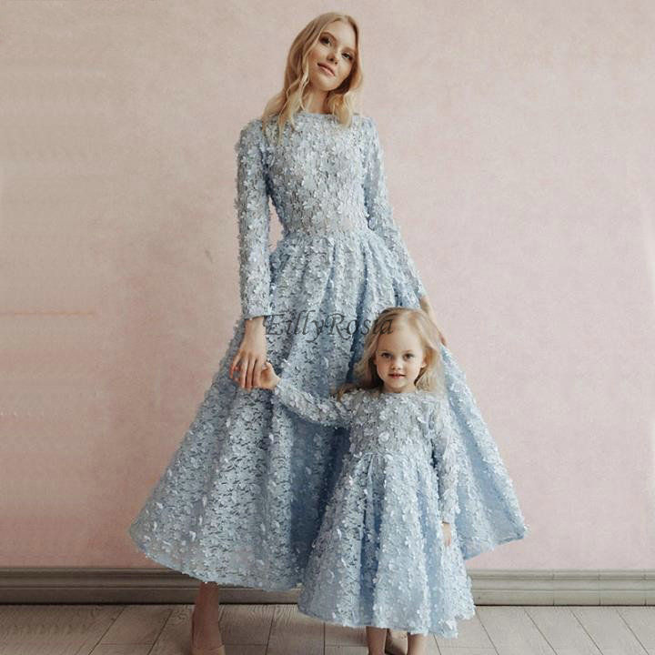 Light Blue Lace Evening Dresses Long Sleeve 3D Flowers A Line Tea Length Elegant Mother And Daughter Dress Formal Party Gowns
