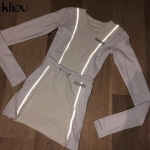 Image 3 - Kliou modo delle donne Riflettente A Righe patchwork due pezzi set 2019 bianco pieno manica crop top fondo gonne outfit tuta
