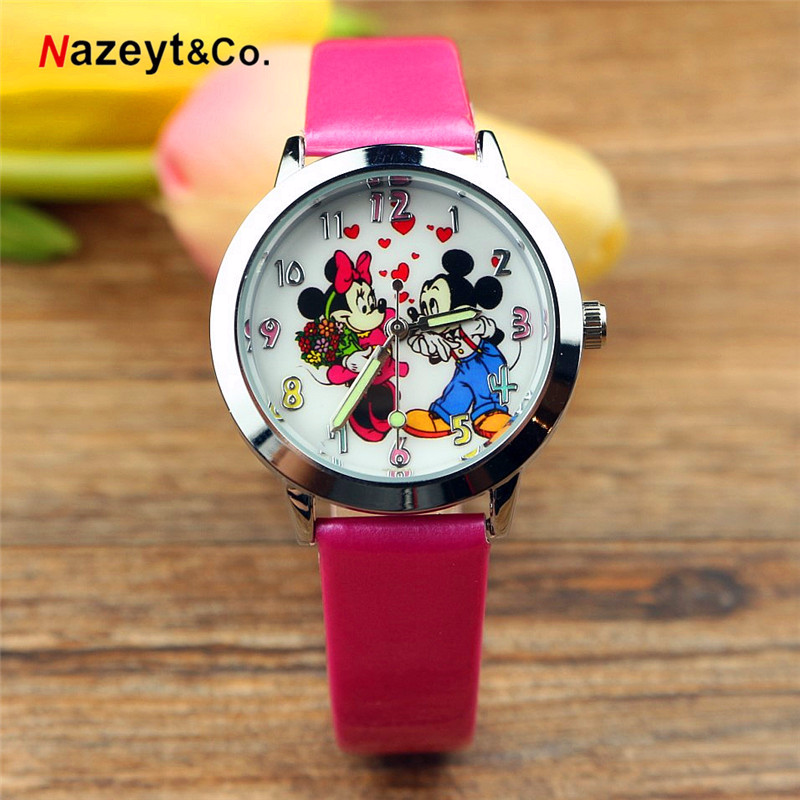 Popular Children's Cartoon Mickey Mouse Watch Luminous Pointer Children's Watch Heart Mickey Minnie Belt Watch
